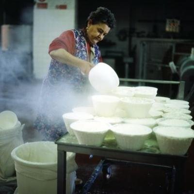 Abruzzen: Handgeschöpft - frische Ricotta
