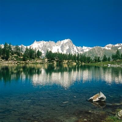 Wandern in den Westalpen: Aostatal und seine Seitentäler. Mont Blanc Massiv im Blick