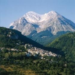 Wandertouren in den Abruzzen: Pietracamerla im Gran Sasso Massiv