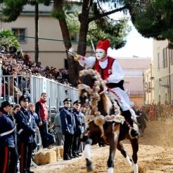 Winter-Wanderungen auf Sardinien: Reiterfest in Oristano