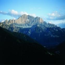 Dolomiten: Wandern entlang der Civetta Wände